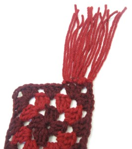 red_scarf_2_01
